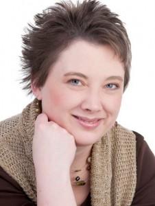 Christi Lynn headshot
